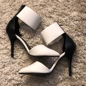 Charlotte Russe Erna Shoes Size 9 (EUC)